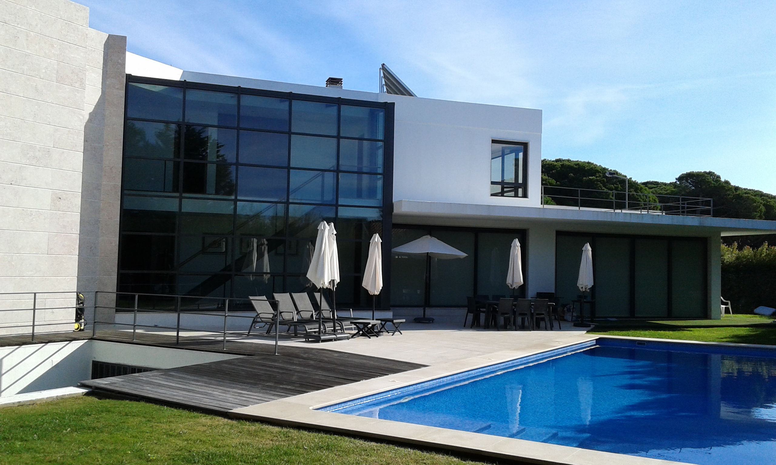 Villa marinha ii luxury villa with private pool quinta for Pool villa design