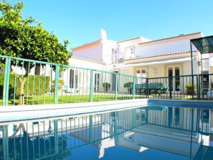 Villa Aldeia de Irmaos with private swimming pool and garden – Azeitão