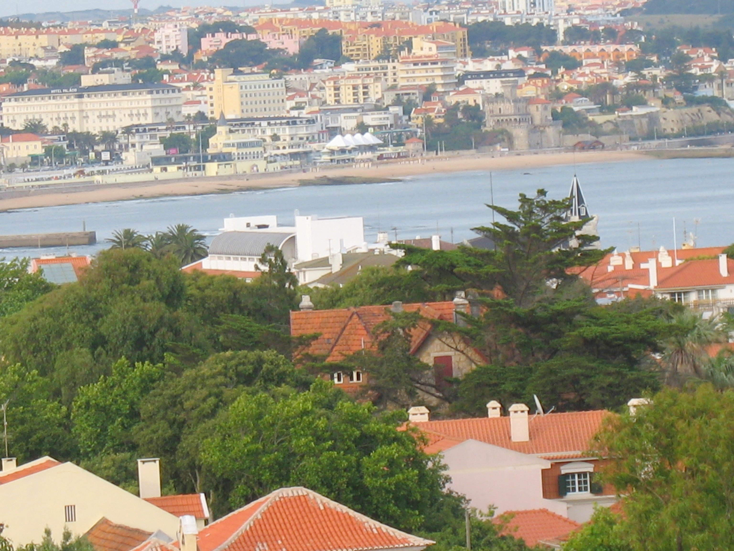 Bay view – 2 bedroom apartment near the centre of Cascais