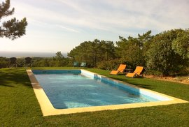 Villa Cipreste Mar with wonderful sea views and pool – near Sesimbra