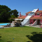 Casa do Pinheiro - Villa with private garden and pool in Marisol - Aroeira