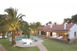 Overview of luxury Machado Estate
