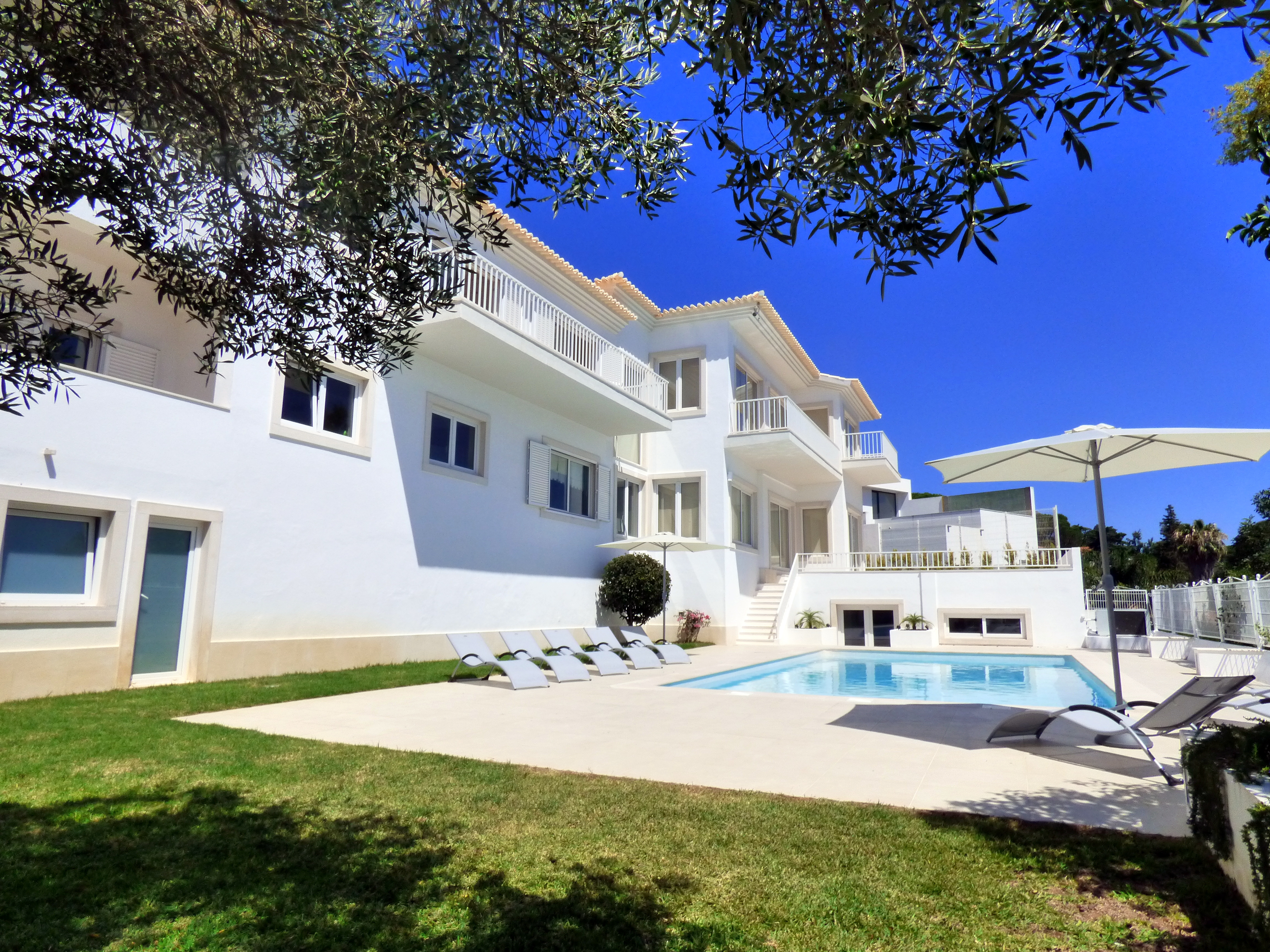 Villa da Luz – Luxury villa with private pool in Estoril