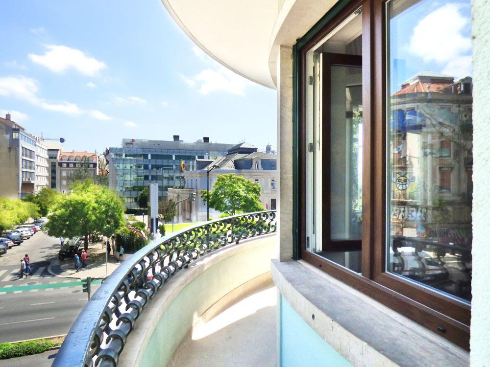 Long term rental: Apartment Fontes Pereira de Melo